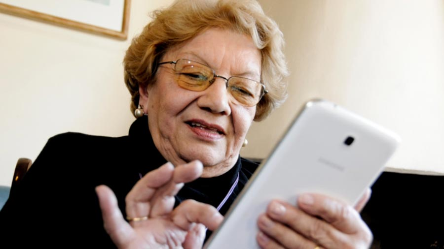 Reducción del 50% en Internet y telefonía móvil para adultos mayores